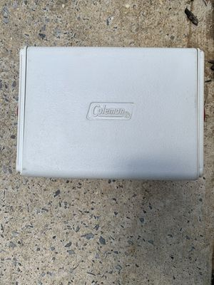 Small Coleman cooler for Sale in NJ, US