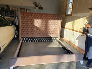 King Bed for Sale in Moseley, VA