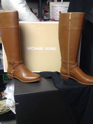 Michael Kors Boots for Sale in Romoland, CA