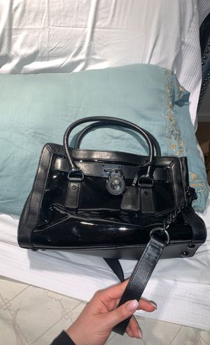 Michael kors black handbag patent black for Sale in Lafayette, CA