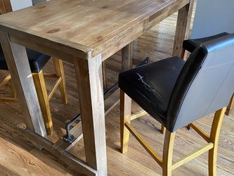 FREE Bar Height Table w/ Chairs for Sale in Puyallup,  WA