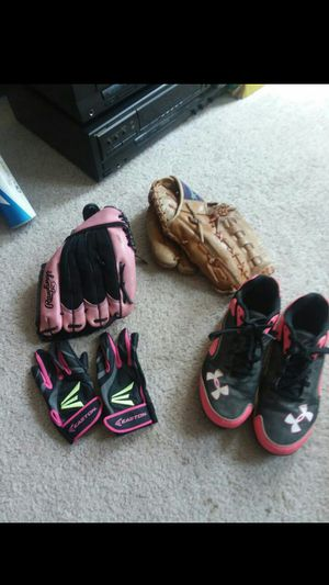Girls Softball Equipment for Sale in Puyallup, WA