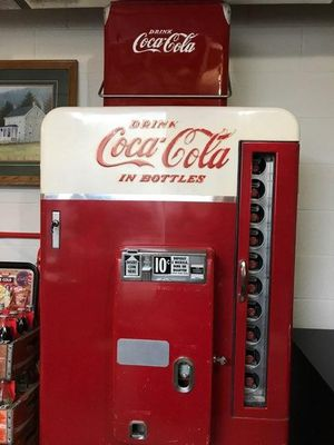 Coca-Cola vintage vending machine for Sale in Middletown, PA