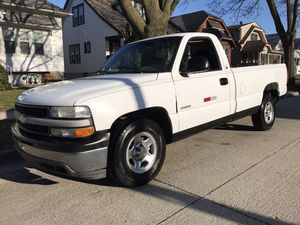 1999 Chevy Silverado 1500 2wd work truck for Sale in Milwaukee, WI