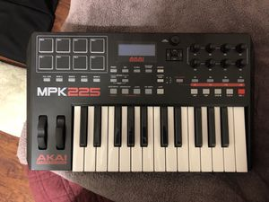 AKAI PRO MPK 225 for Sale in Winder, GA
