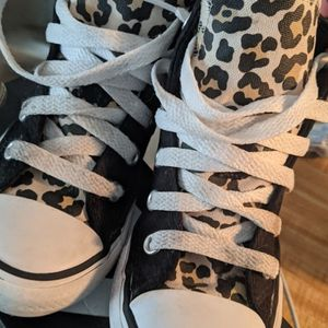Girl Leopard Converse Size 11 💖💖 for Sale in Los Angeles, CA