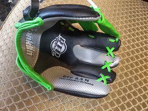 Kids Franklin baseball glove $5 for Sale in Marietta, GA