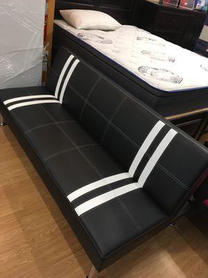 Black and white futon couch for Sale in Santa Monica, CA
