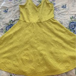 Yellow Old Dress for Sale in Fremont,  CA