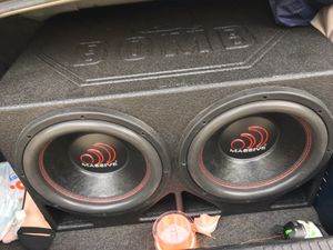 """2 12"""" massive audio 1400w subs for Sale in Houston, TX"""