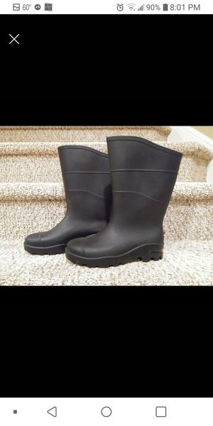 New Women's Size 7 / Men's Size 5. BLACK RAIN BOOT, Rugged Grip Bottom for Sale in Woodbridge, VA