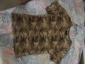 PacSun camo shirt (size, large) ( never used) for Sale in Las Vegas, NV