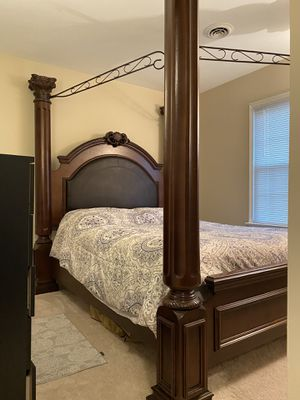 Bed frame canopy bed (Queen) for Sale in Chester, VA