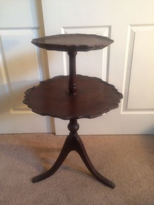 Antique Vintage Ferguson End Coffee Lamp Oval 2 Tier Pie Table chippendale NJ for Sale in Tampa, FL