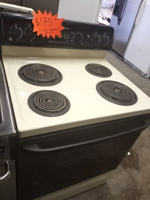 GE COILS ELECTRIC STOVE WORKING PERFECT W/4 MONTHS WARRANTY for Sale in Baltimore, MD