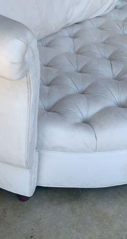 Elegant Round Chair for Sale in Garden Grove,  CA