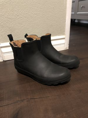 Women black rain boots 10 for Sale in Los Angeles, CA