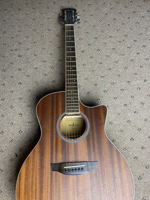 Orangewood acoustic guitar for Sale in Brooklyn Center, MN