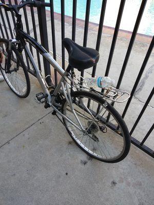 Bicicleta 26 en buen estado nomas lefalta el tubo de layanta de enfrente for Sale in Montclair, CA