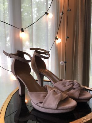 Naturalizer Nude Ankle Strap Platform Heels size 9 for Sale in Bakersfield, CA