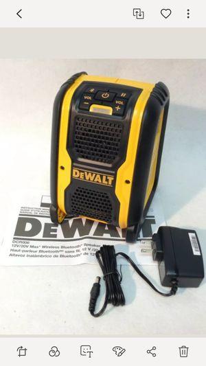 Brand new dewalt 20v bluetooth speaker uses any 20v dewalt Batteries or plug in power for Sale in Fresno, CA