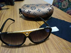 Lv sunglasses for Sale in Columbus, OH