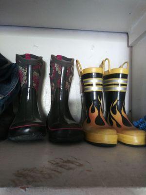 Rain boots 1 Nina 1 Nino numero 12 y 12 for Sale in South Gate, CA