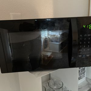Alexa Microwave for Sale in Des Moines, WA