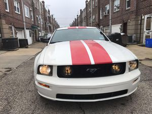 Mustang Gt v8 ( 6 speed ) 2008 ( 116,000 miles ) $7,000 for Sale in Philadelphia, PA