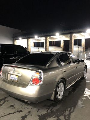 Nissan Altima for Sale in Pomona, CA