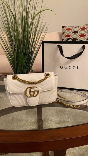 Bags white color $150 for Sale in Orlando, FL