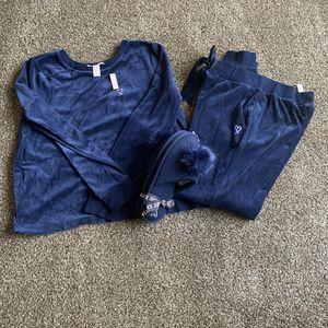 NEW Victoria secret size M velvet outfit bundle for Sale in Glendale, AZ