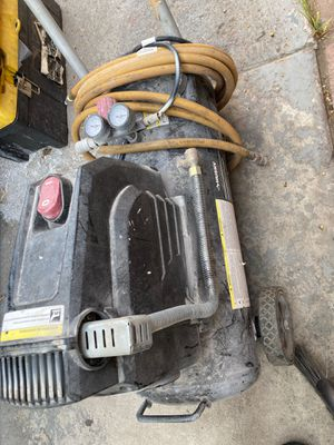 Husky 8g 150 PSI Hotdog Air Compressor for Sale in Los Angeles, CA