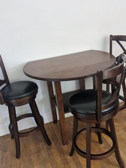 Wooden Dining Table With Bar Stools for Sale in Seattle,  WA