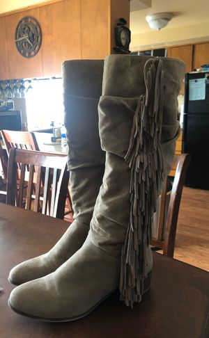Brown colored suede fringe boots 8.5 for Sale in Vancouver, WA