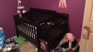 Crib with changing table for Sale in Austin, TX