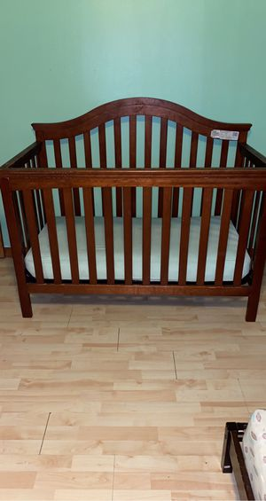 Infant to toddler convertible crib for Sale in Binghamton, NY