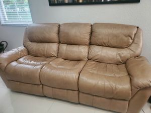 Sofa and recliner for Sale in Miramar, FL
