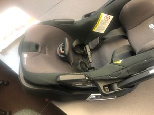 4Moms Infant car seat and base for Sale in Queens, NY