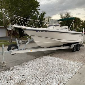 1998 Boston Whaler 23 Outrage for Sale in Fort Lauderdale, FL