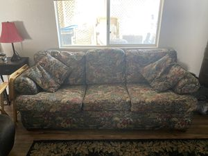 FREE Couch for Sale in Palmdale, CA