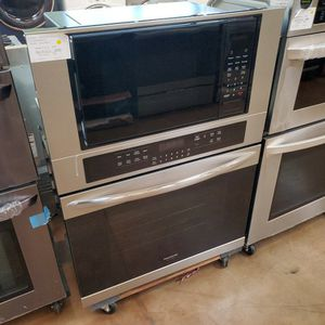Frigidaire Combination Wall Oven for Sale in El Monte, CA