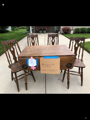 Table- ANTIQUE! for Sale in Oshkosh, WI