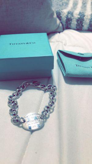 TIFFANY return to link bracelet like new for Sale in Salinas, CA