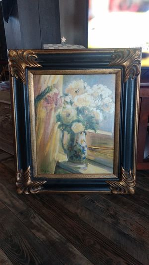 Antique frame with pics for Sale in Limestone, TN