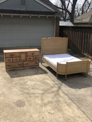 FULL Size Bed Set! Bed and Dresser! Delivery Available! for Sale in Dallas, TX