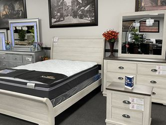 White Bedroom Set On SALE 🔥 Same Day Delivery 🚚 for Sale in Fresno,  CA