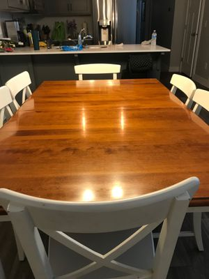 Excellent Condition Kitchen Table - 6 chairs for Sale in Herriman, UT