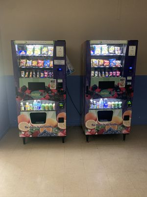 Combo vending machine for Sale in Pompano Beach, FL