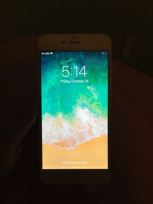Great condition 64gb Silver Iphone 6 plus for Sale in Sanger, CA